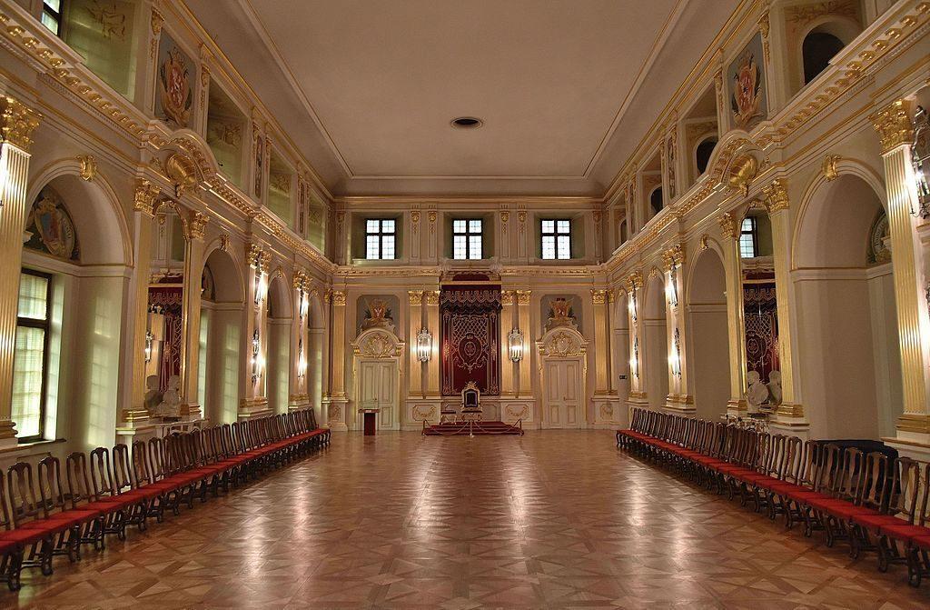 Sala Senatorska Zamku Królewskiego W Warszawie Widok Obecny 1024x671